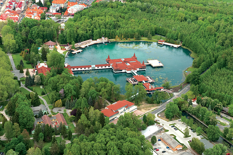 Heviz - the biggest thermal lake in Europe, Hungary Image 8