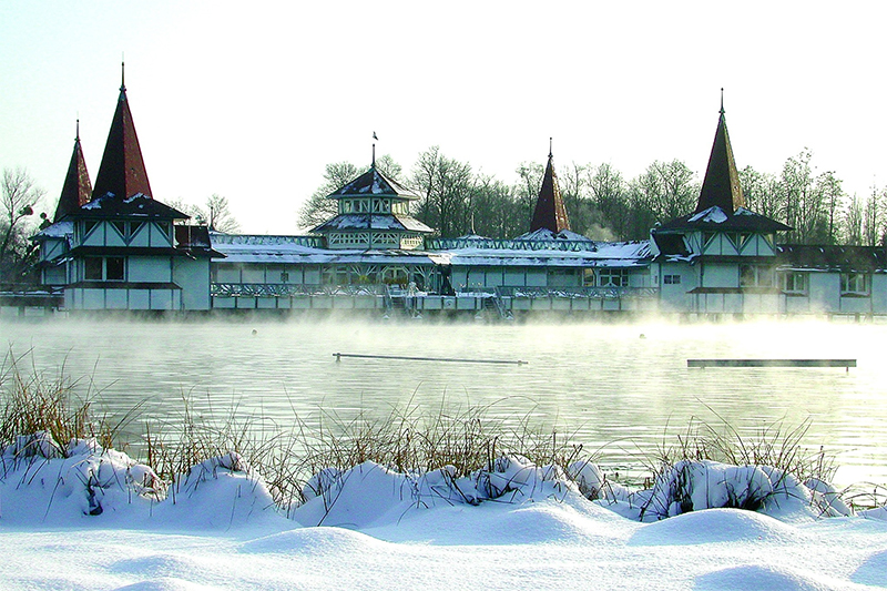Heviz - the biggest thermal lake in Europe, Hungary Image 4