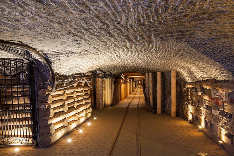 Wieliczka Salt Mine Sightseeing Image 3